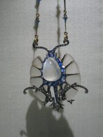Renee Lalique Necklace. A Very Estate Jeweler Type of Jewelry. WikiCommons Image