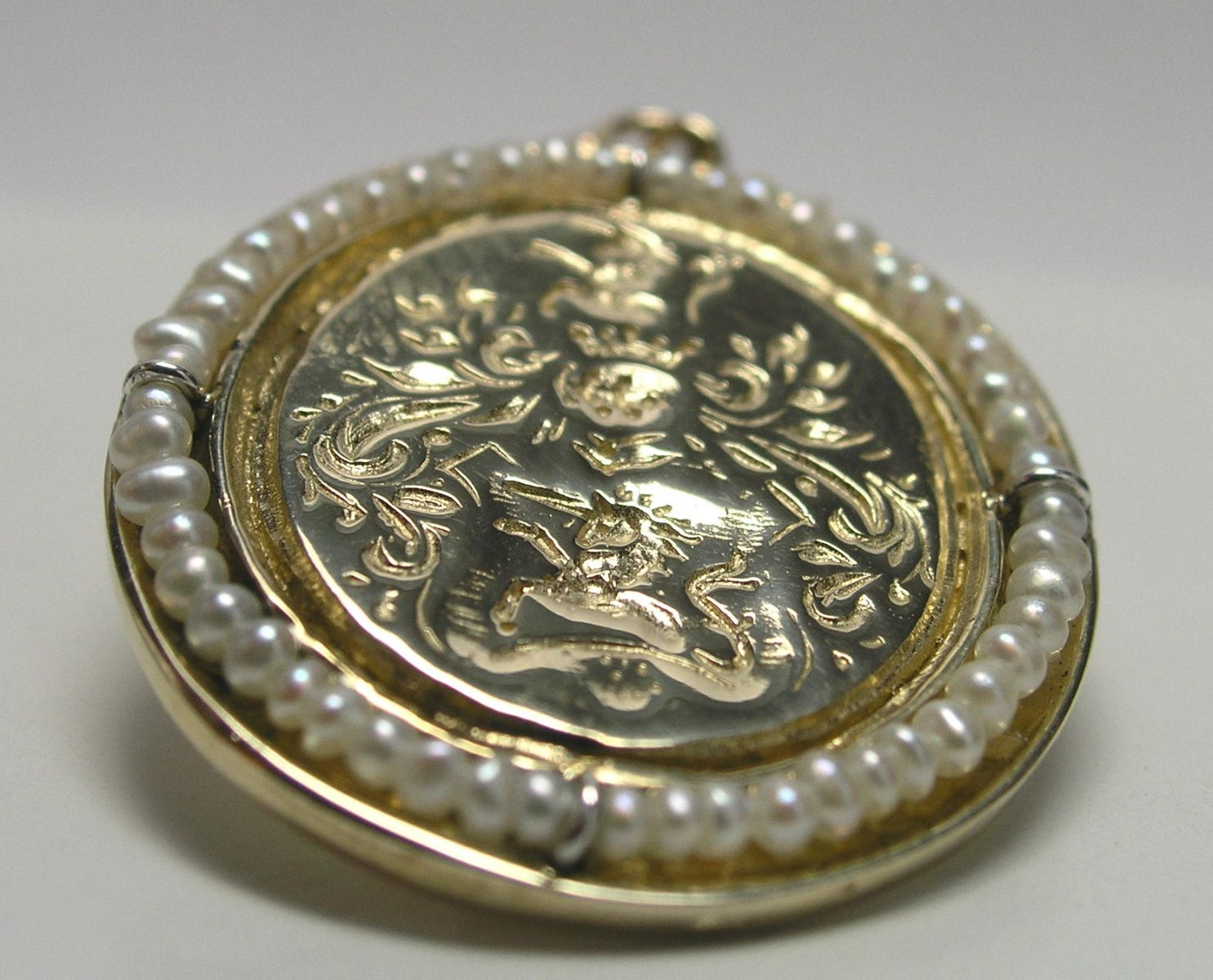 family crest jewelry projects for sons and daughters