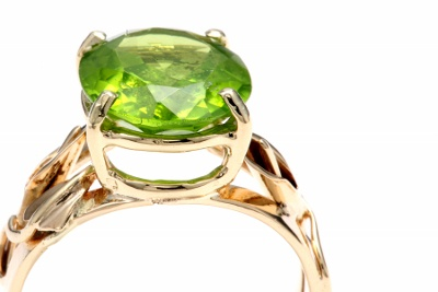 Yellow Gold Peridot Ring