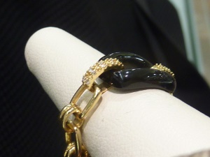 Flexible Ring with Onyx