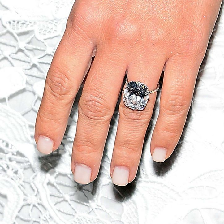 Kim Kardashian\'s New Ring