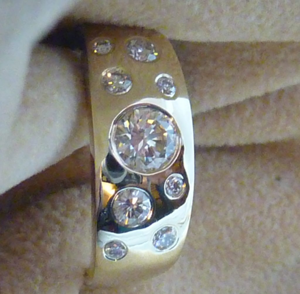white topaz vs diamond blog. Diamonds shown