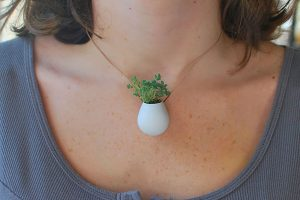wearable-planter-creative-necklace