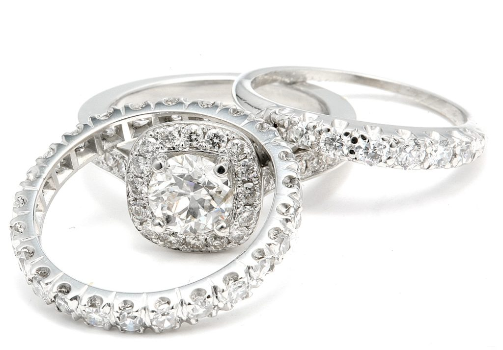 platinum and white gold vs silver for your engagement ring - Gold And Silver Wedding Rings