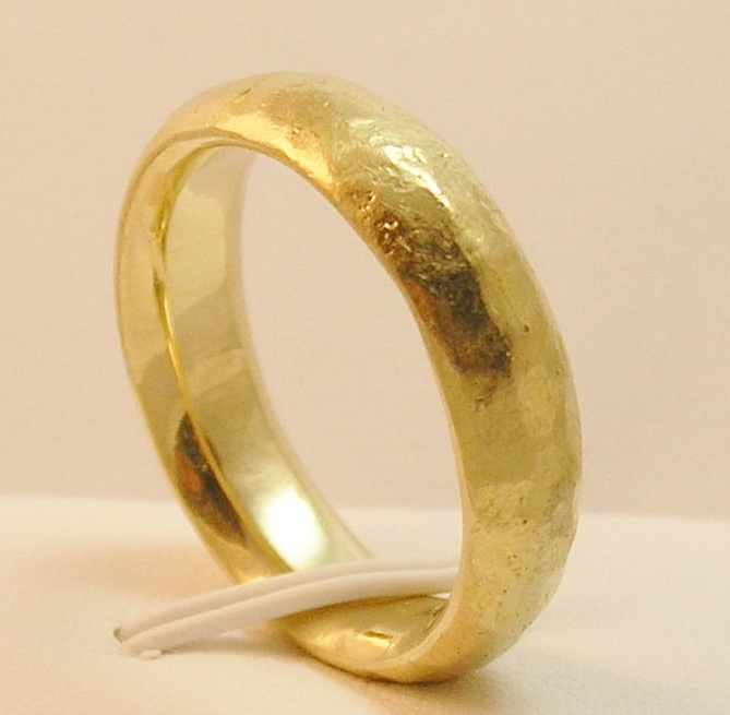 wedding fit in yellow comfort milgrain rings ring gold hand