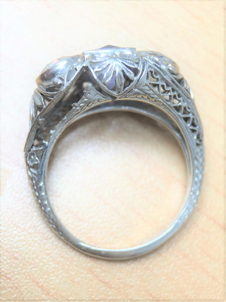 Vintage ring with broken filigree
