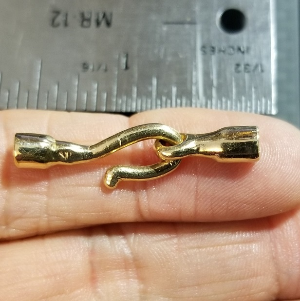 14kt yellow gold hook clasp