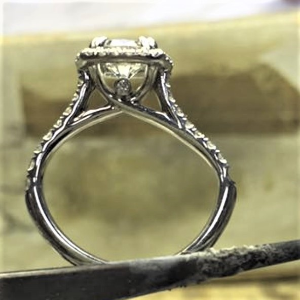 Bent engagement ring