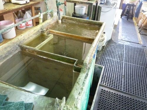 Three tanks for rinsing in the gold plating process