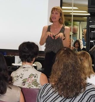 Calla Gold presenting in Camarillo describing changes that can be made to jewelry