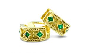 earrings with square emeralds bezel set in Etruscan design