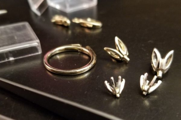 The building blocks of jewelry, clasps, heads and ring blank